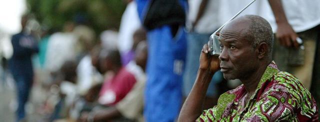 radio-liberia-100_v-WDRStageOnly
